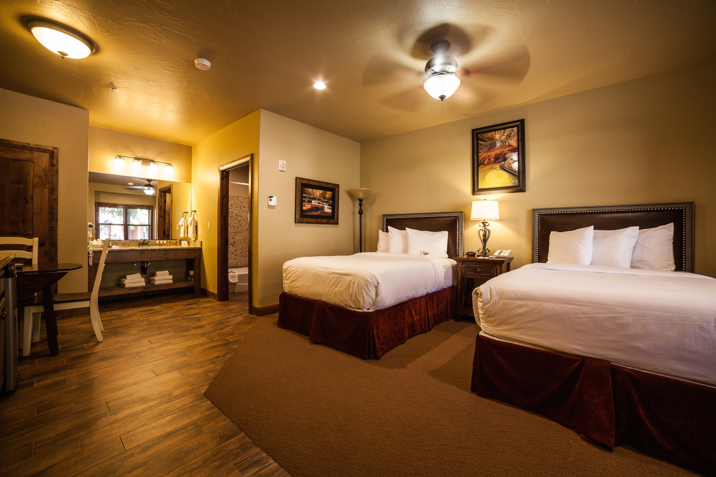 Double Studios Springdale Hotel Rooms Cable Mountain Lodge
