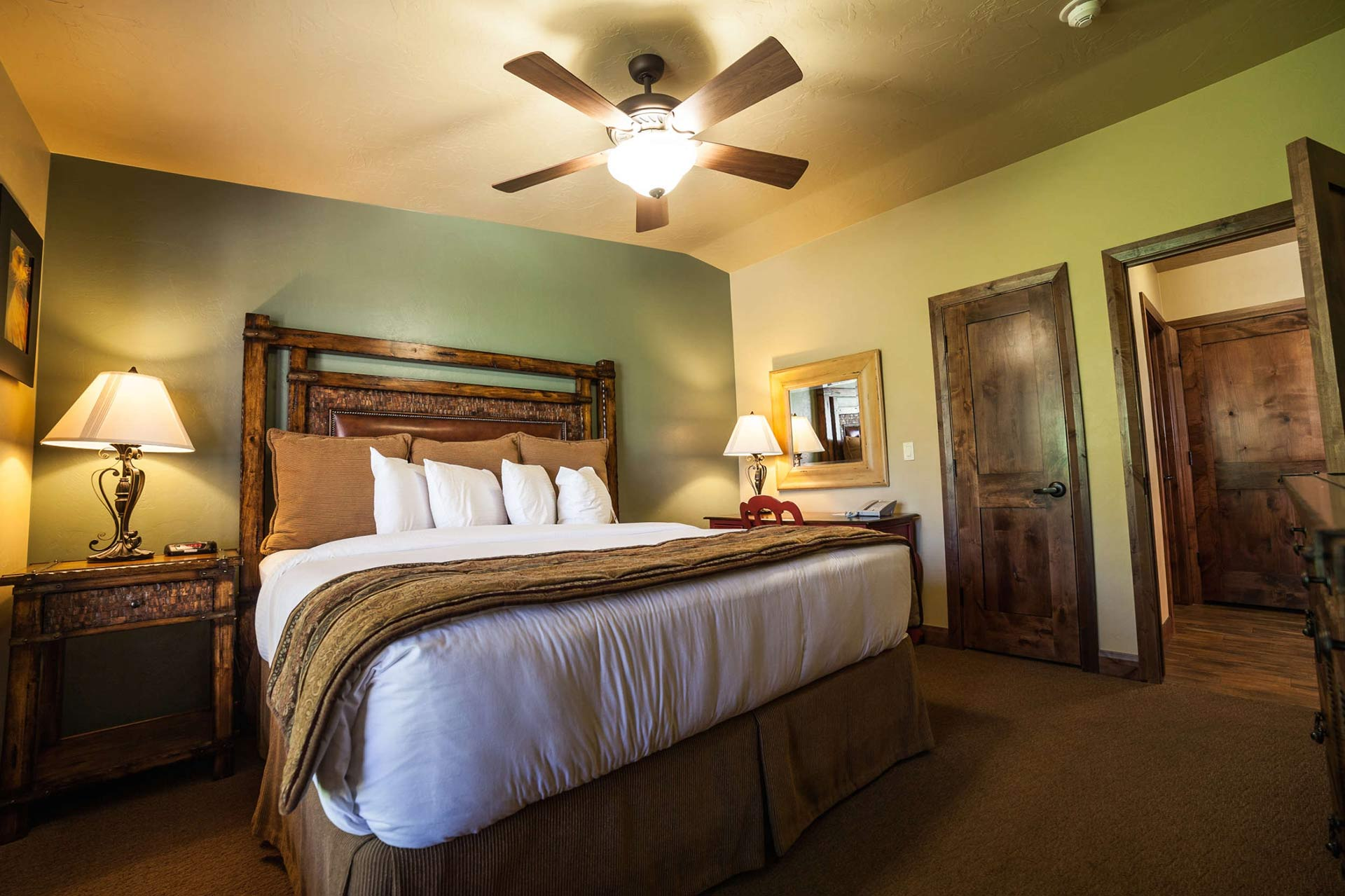 Cable Mountain Lodge Hotel Amp Suites At Zion National Park